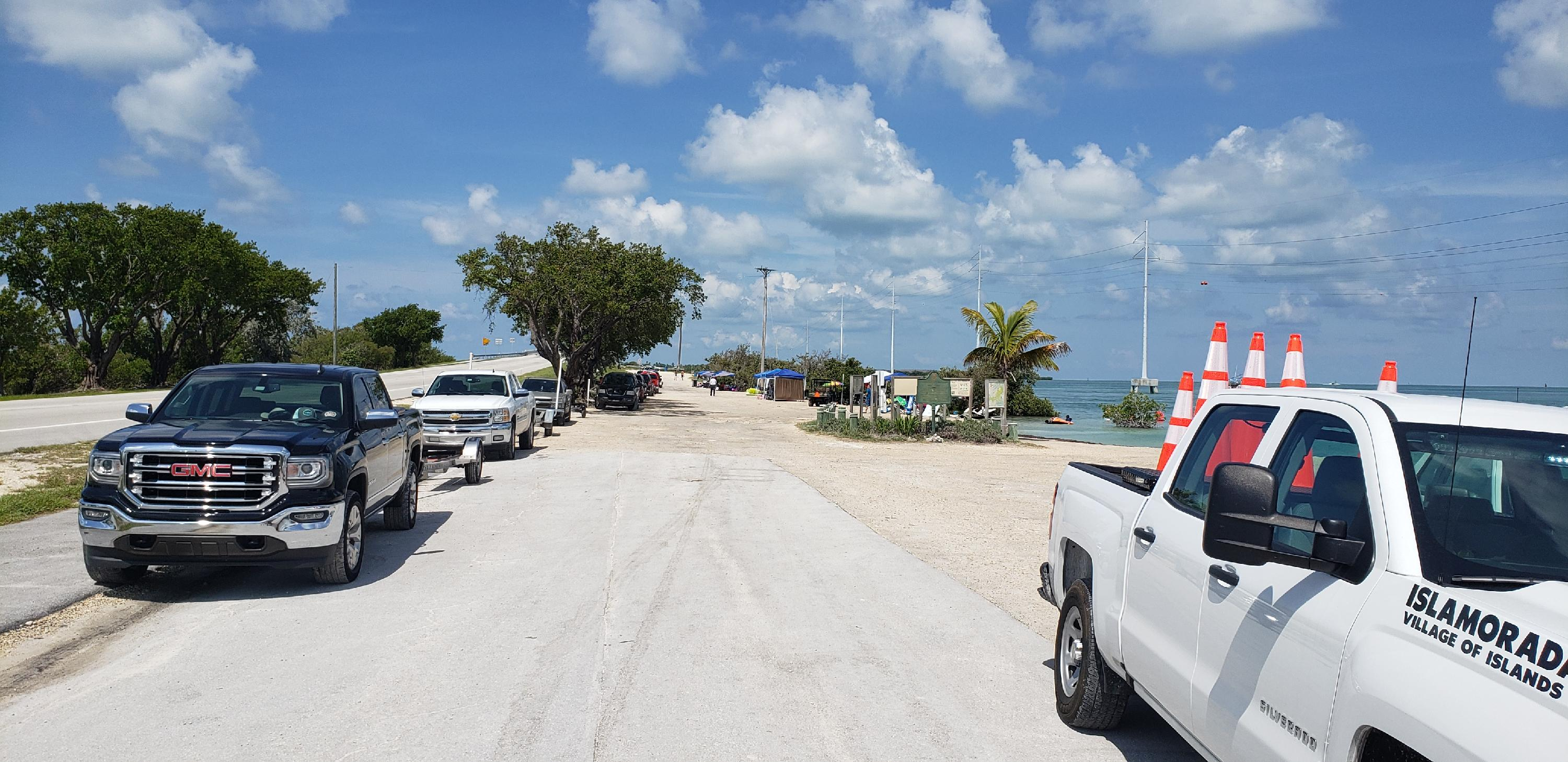 20190704_parking at boat ramp