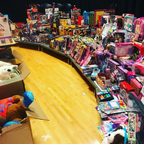 Toys_for_Tots_at_Sugarloaf_school(2)