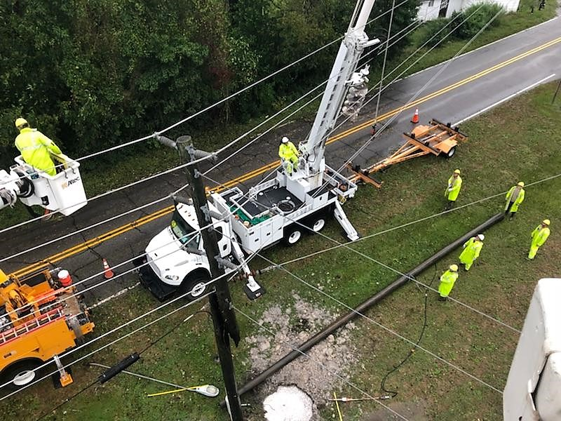 Electric crew working in Greenville, NC