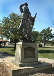 Pic-Sculpture-CountCasimirPulaski