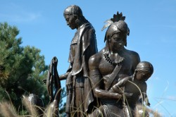 Pic-Sculpture-WyandotFamilyTribute2